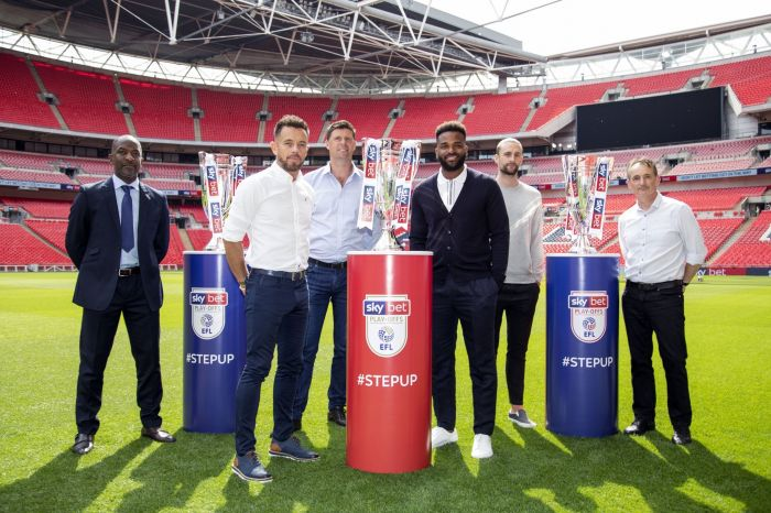 Darren Bent joins EFL Legends at Wembley for Play Off Finals